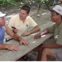 Por primera vez bajo la conducción de Franklin Castro, se transmitió el programa de radio Balón y Ciencia desde Isla Tortuga