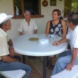 Programa de radio con Franklin Castro: Vecinos de San Rafael de Paquera molestos por abandono con puente, que se encuentra colapsado desde hace casi un año
