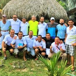 """Excelente iniciativa de Los Pepes: Realizan homenaje a Efraín """"Payín"""" Bosquez y a Hernán Navas por su trabajo en la formación de jugadores y su aporte al desarrollo del fútbol en Paquera"""