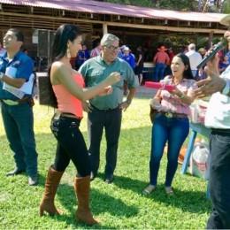 En Vainilla 2019: Bella guapileña nos enseñó a dar la vueltita