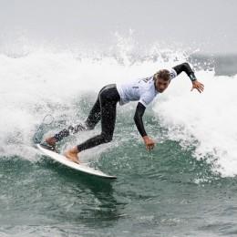 Huntington Beach, California, EEUU: Cedric McCrakin primer tico en ronda 3 en Mundial Junior