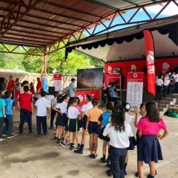 Escuela Fray Casiano de Madrid, Puntarenas: Niños aprenden sobre ahorro durante los Juegos deportivos del MEP