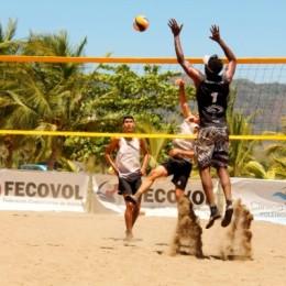 Campeonato Nacional de Voleibol de Playa: Jeep-Tambor Tropical y Clínica Visualiza aniquilan a los demás equipos en Tambor