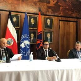 396 casos confirmados: Ministro de Salud insiste en quedarse en casa