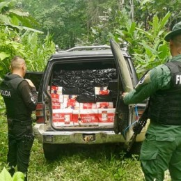 En Penshurt, Valle de la Estrella, Limón: Policía de Fronteras y Policía Fiscal decomisan 1,7 millones de colones en licores contrabandeados