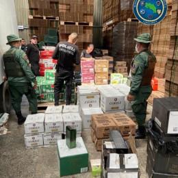 Policía de Fronteras y Policía Fiscal decomisan cargamento de licores valorado en 4,5 millones de colones