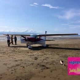 Falla en motor: Avioneta que iba de Tambor a Pavas aterrizó forzosamente en playa Órganos de Paquera