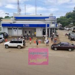 Sobre queja por lenta atención: Banco Nacional dice que oficina de Cóbano atiende con cuatro cajeros quienes deben turnarse para almorzar