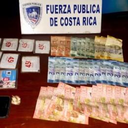 Fueron detenidos por Fuerza Pública: Dos sujetos con armas de fuego asaltaron Supermercado y licorera en San Jerónimo de Naranjo, Alajuela