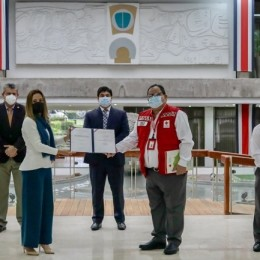 Presidente Carlos Alvarado firma reforma a Ley 8690 para fortalecer finanzas de la Cruz Roja Costarricense