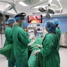 A paciente puntarenense: Médicos del Hospital Monseñor Sanabria realizan novedosa cirugía laparoscopia