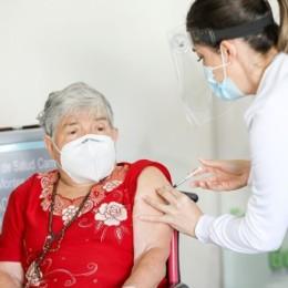 Esta mañana de 24: Dos adultos mayores y dos funcionarios del CEACO recibieron primera dosis de la vacuna contra COVID-19
