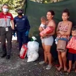 Guardacostas, Cruz Roja y empresa privada tiende mano solidaria a familias de escasos recursos de sector costero de Nandayure