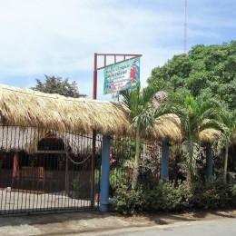 En Paquera, Puntarenas: Se vende casa con negocio de Mini Hostel incluido