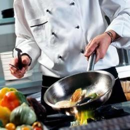 Se requiere cocinero en Escuela de Guarial