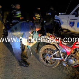 Fuerza Pública ya cuenta con oficiales que pueden realizar funciones de Policía de Tránsito en la zona peninsular: Este sábado aplicaron multas y decomiso de placas en el distrito de Cóbano